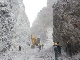 कामदार अभावको मार  : स्याफ्रुबेँसी–रसुवागढी सडक निर्माण ठप्प